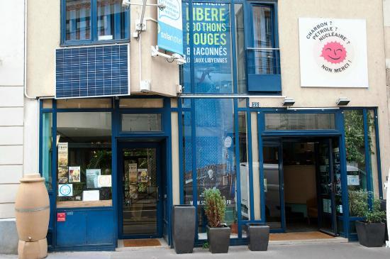 Solar Hotel: Côté rue Boulard