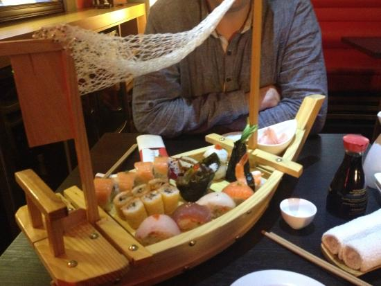 Sushi Bar Made in Japan : Chef's Special - Sushi boat!