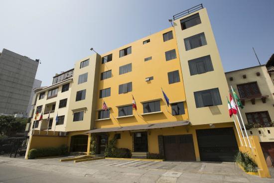 Hotel Nirvana: Fachada