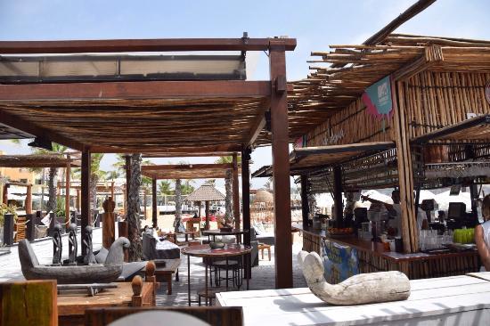 Aqua Lounge Restaurante & Bar
