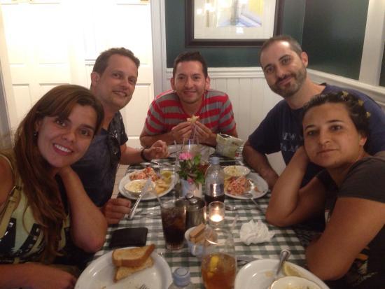 Lizzie's Cafe & Bistro 142nd St.: photo0.jpg