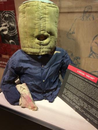 Laogai Museum: Prisoner-silencing mask