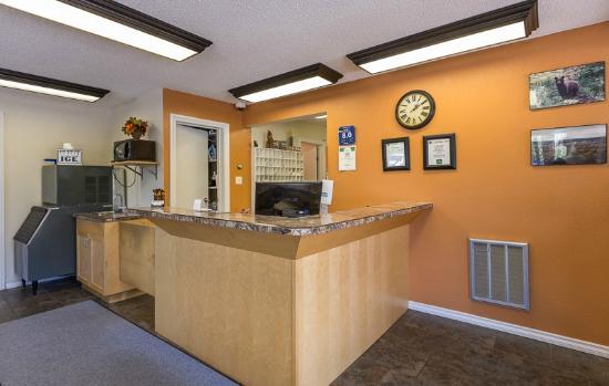 Carmel Inn : Main Lobby