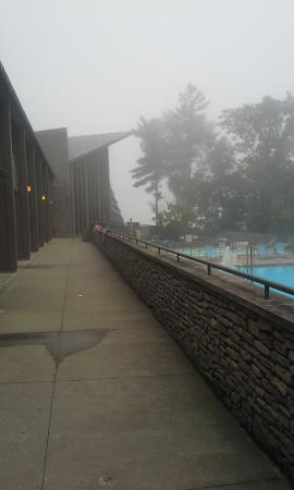 General Butler State Resort: The Pool - A Cloudy Morning