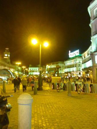 Puerta del sol de noche picture of puerta del sol for Puerta del sol santiago