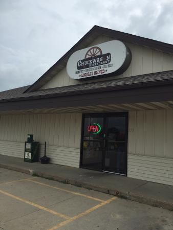Chuckwagon: Cute small town restaurant