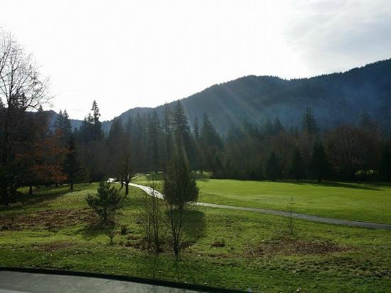 Mt. Hood Resort Condominiums: Golfing at the resort views