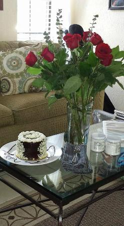 Lakehouse Bed & Breakfast: roses for my sweet