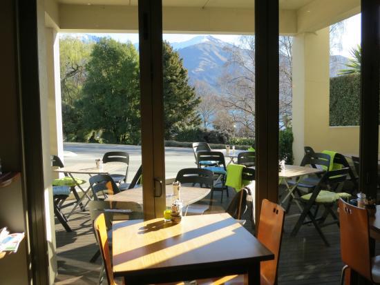 Cafe Gusto : Winter sun shine!