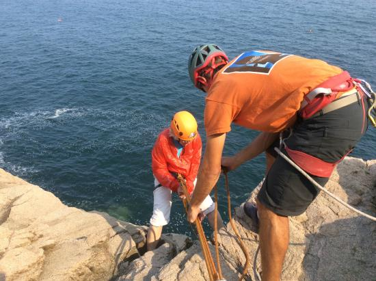 Atlantic Climbing School: Our guide giving instruction