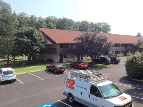 Bowmansville, NY: Exterior of Red Roof Inn