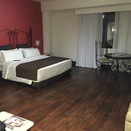 Holiday Inn Hotel & Suites Centro Historico: Hotel Room