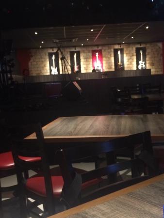 Rock & Ribs Steakhouse Lounge