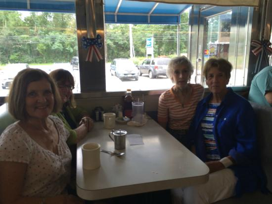 Mattapoisett Diner : Our table