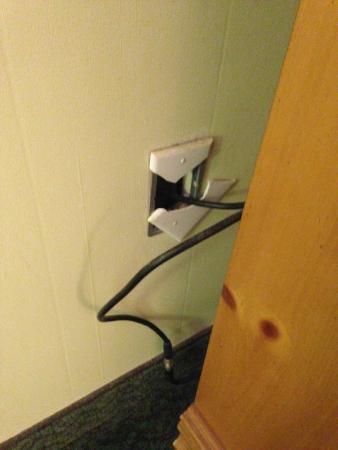The University Inn at Emory : broken