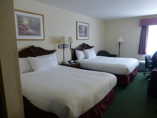 Baymont Inn & Suites Osage Beach: View of room 308