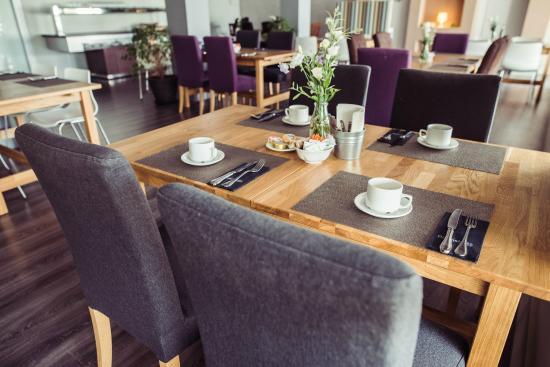 Nuria: Restaurante