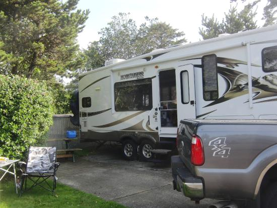 Premier RV Resort of Lincoln City Oregon: Small patio area