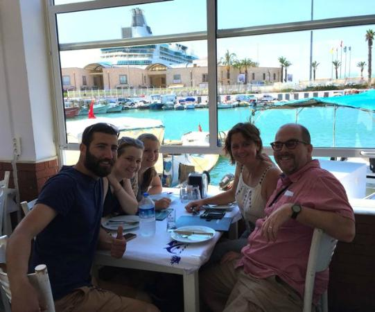 Toros Restaurant: A leisurely lunch on the waterfront