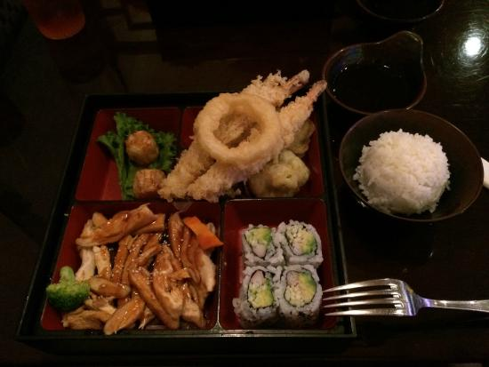 Lansing, KS: Chicken Teriyaki Bento Box with Tempura