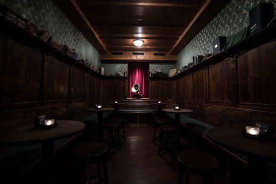 The Churchill Old English Pub & Cocktail Bar