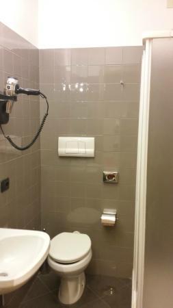 Residence G.R.A. 21: bagno con asciugacapelli