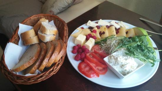 Cafe Mlynek Bed & Breakfast: colazione vegetariana