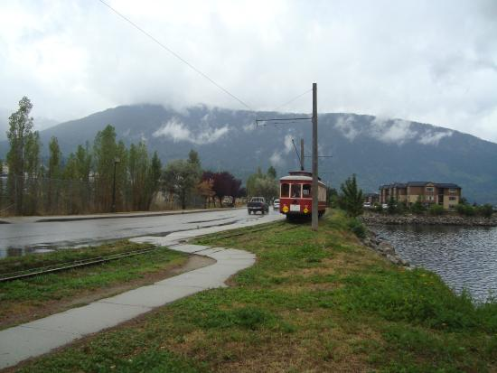 Mistiso's Place Vacation Rentals: Historic streetcar #23 by the waterfront