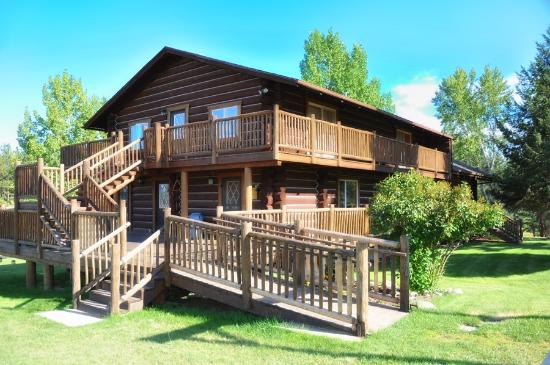 Victor, Μοντάνα: Welcome to Trapper Peak Outfitters Main Lodge