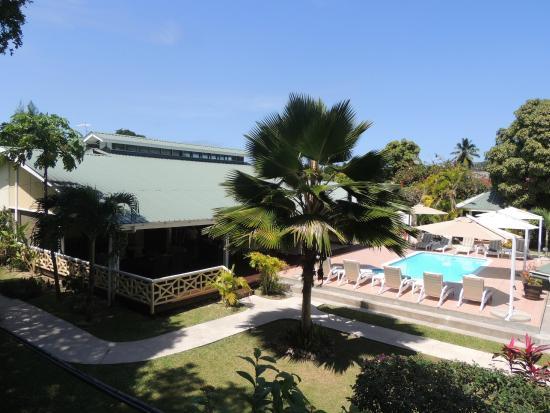 Hotel La Roussette : Swimming Pool View