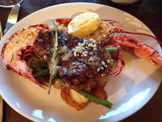River House Restaurant: Delicious Surf n Turf