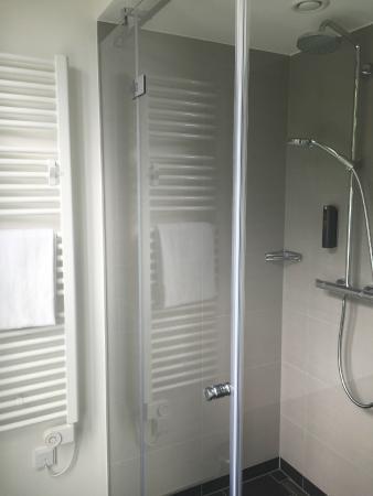 Arcona Living Osnabruck: Badezimmer/Dusche