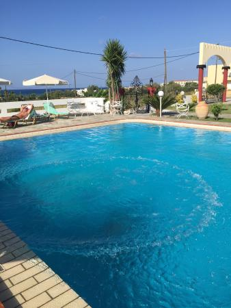 Palladion Apartments and Rooms : Piscina