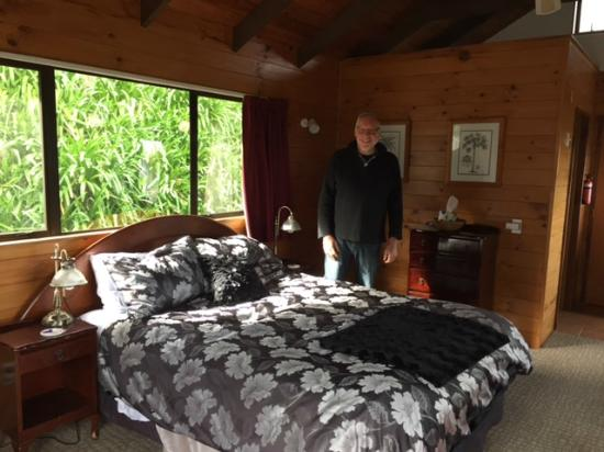 Grafton Cottage and Chalets: Happy traveller