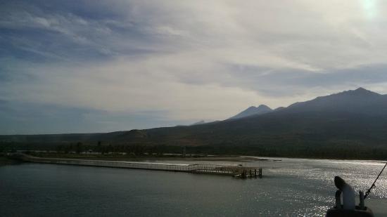 Kanawa Island Diving: rinjani mountain view