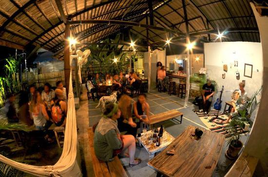 Easy Garden Bar