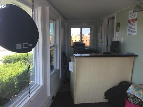 Caravan Motel: مكتب الاستقبال الفندق