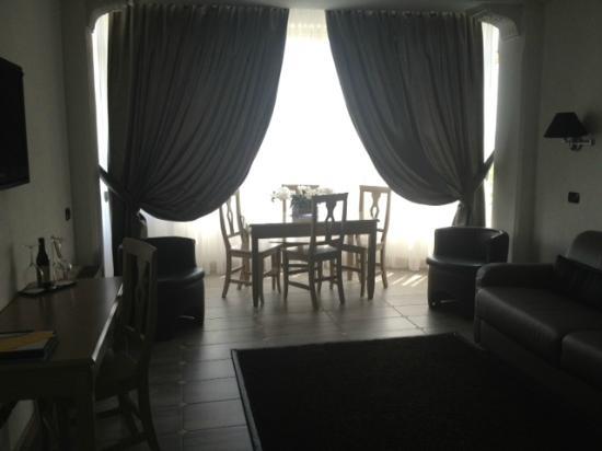 Hotel Castello : Salon habitacion