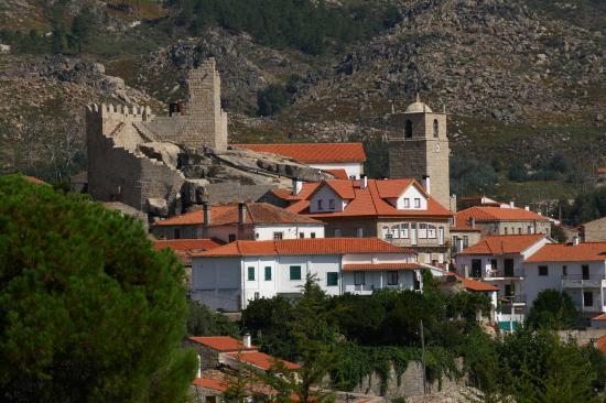 Fundao, Portugal: Vista Panoramica Aldeia Histórica de Castelo Novo
