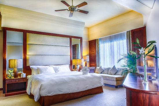 Danat Jebel Dhanna Resort: Executive Suite