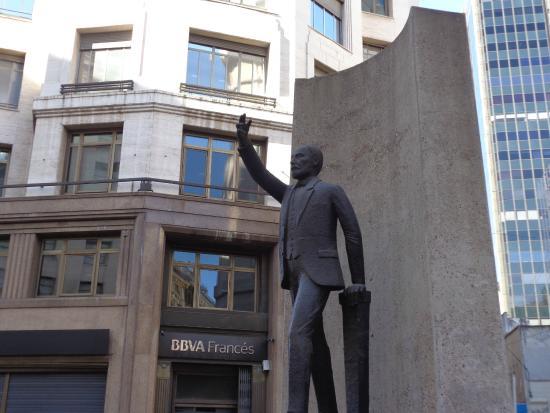 Monumento a Lisandro de la Torre