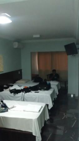Candango Aero Hotel: Quarto Triplo