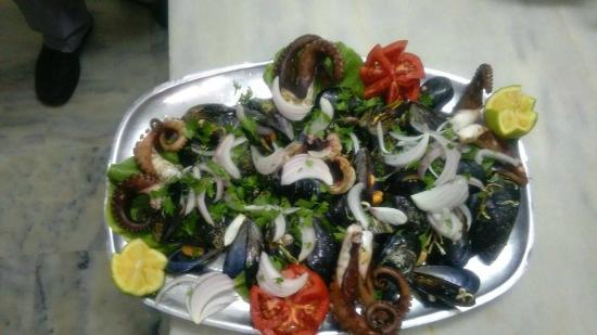 Tony's Cuisine Corner: Mussels and octobus!!!!