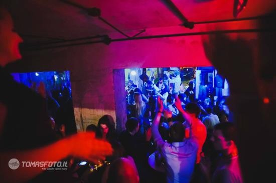 YZY Bar: Party