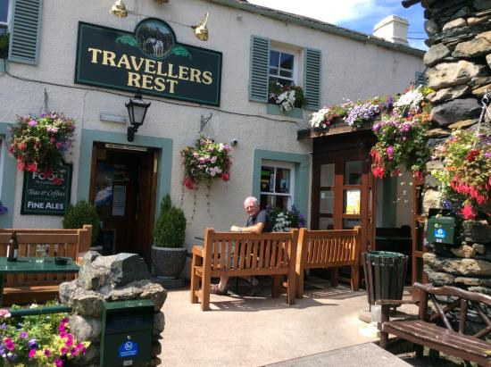 The Travellers Rest: Outside view in Summer