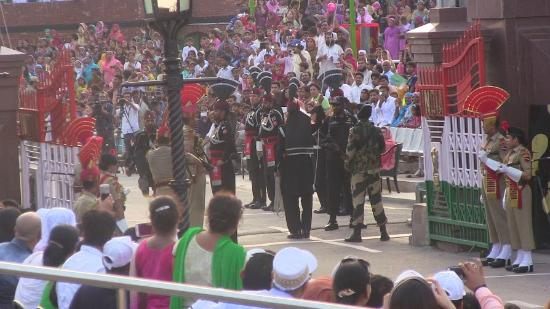 Amritsar, Indien: Pakistani and Indian Army