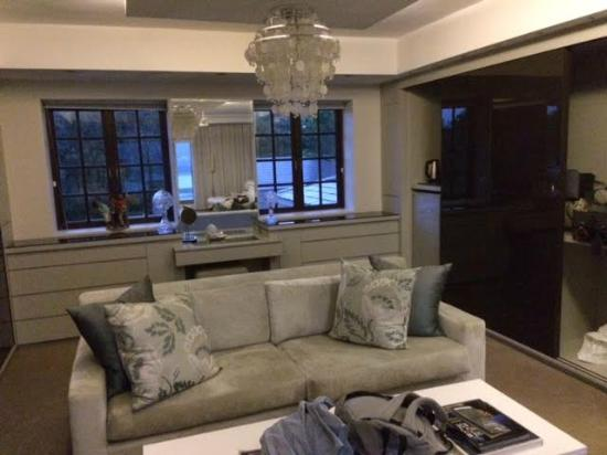 Kanonkop Guest House: Living area, Selwyn Suite