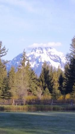 Moose Head Ranch: from the Lodge at breakfast
