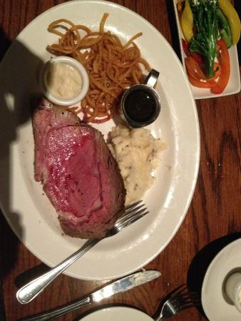 Keg Steakhouse & Bar: 10oz Prime Rib, with Garlic Mashed,,,  good.