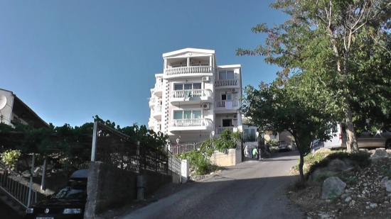 Adriatik Apartments